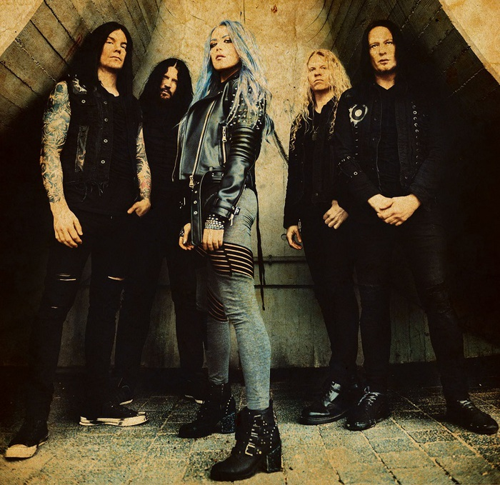 ARCH ENEMY、最新アルバム『Will To Power』より「The Eagle Flies Alone」MVメイキング映像公開!