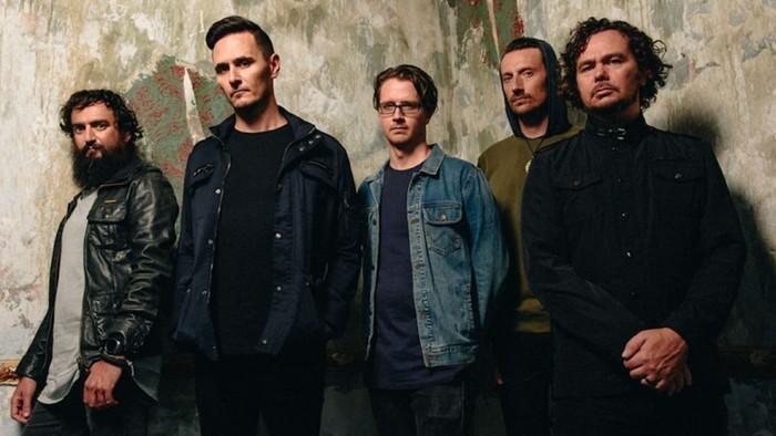オーストラリアのオルタナティヴ・ロック・バンド DEAD LETTER CIRCUS、9/21海外リリースのニュー・アルバム『Dead Letter Circus』より「The Real You」MV公開!
