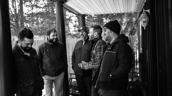 エモーショナル・ハードコアの重鎮 HOPESFALL、約11年ぶりニュー・アルバム『Arbiter』より「Bradley Fighting Vehicle」MV公開!