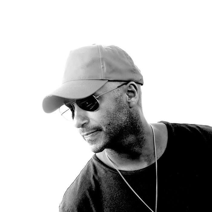 Tom Morello(RAGE AGAINST THE MACHINE etc)、10/12リリースのソロ・アルバム『The Atlas Underground』より新曲「Lucky One」音源公開!