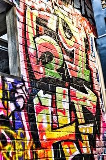 69hf_graffiti_v.JPG