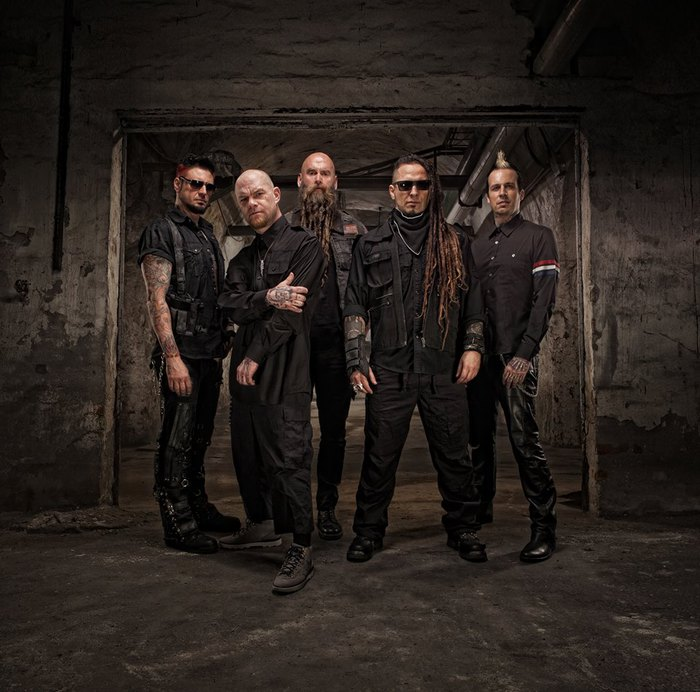 FIVE FINGER DEATH PUNCH、最新アルバム『And Justice For None』より「When The Seasons Change」MV公開!