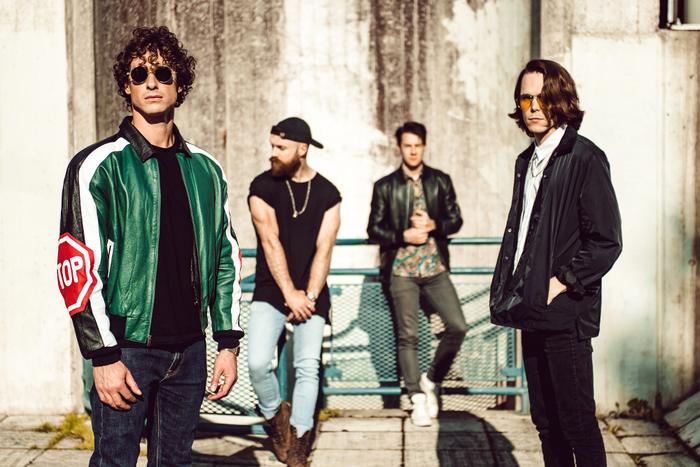12月に来日する4人組UKロック・バンド DON BROCO、最新アルバム『Technology』より「The Blues」MV公開!