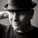 Corey Taylor(SLIPKNOT/STONE SOUR)、「Snuff」アコースティック・ライヴ映像公開!