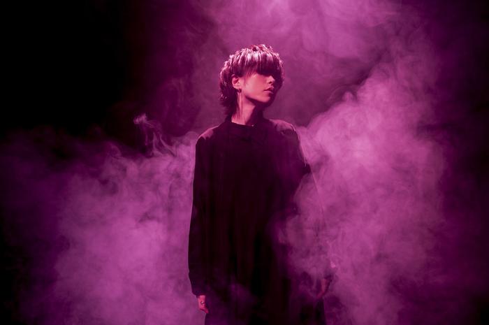 ナノ、2/6リリースのニュー・シングル表題曲「KEMURIKUSA」MV(Short Ver.)&新アー写公開!
