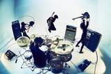 "9mm Parabellum Bullet、4/10リリースのニュー・シングル『名もなきヒーロー』ジャケ写公開!""6番勝負""対バン第2弾に凛として時雨、THE BAWDIES決定!"