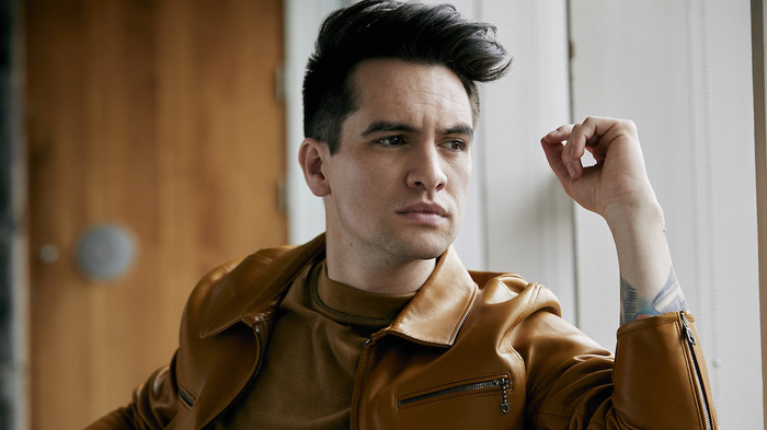 PANIC! AT THE DISCO、最新アルバム『Pray For The Wicked』より「Dancing's Not A Crime」MV公開!