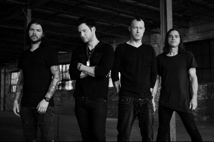LIMP BIZKIT、PUDDLE OF MUDD、SALIVAのメンバーによる新バンド SLEEPKILLERS、デビュー・アルバム『Sleepkillers』より「Drown」MV公開!
