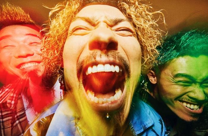 WANIMA、本日6/21より全楽曲サブスク解禁!渋谷駅にてメンバー直筆メッセージ載せた交通広告展開中&サブスク開催動画も公開!