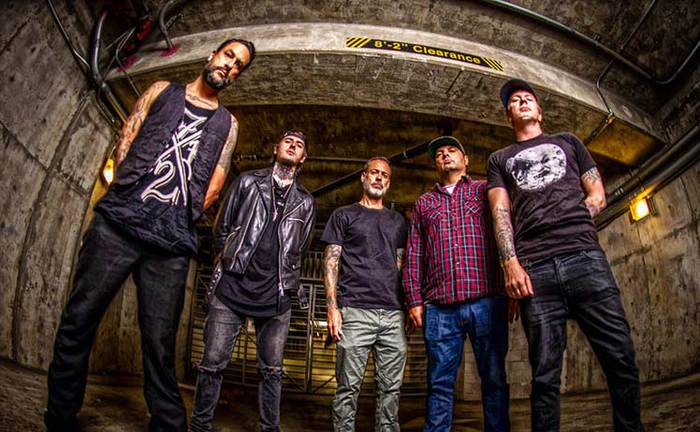 STRUNG OUT、8/9リリースのニュー・アルバム『Songs Of Armor And Devotion』より「Under The Western Sky」MV公開!