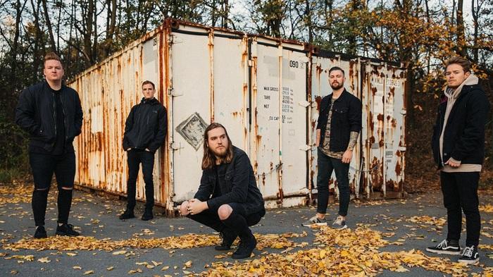 USフロリダ州出身の5人組メタルコア・バンド WAGE WAR、8/30リリースのニュー・アルバム『Pressure』より「Me Against Myself」、「Prison」音源公開!