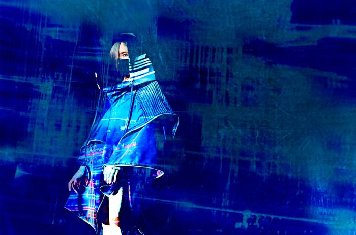 """西沢幸奏のソロ・プロジェクト""""EXiNA""""、8/21リリースのミニ・アルバム『XiX』より第2弾ミュージック・クリップ「KATANA」公開!収録曲情報&ジャケットも発表!"""
