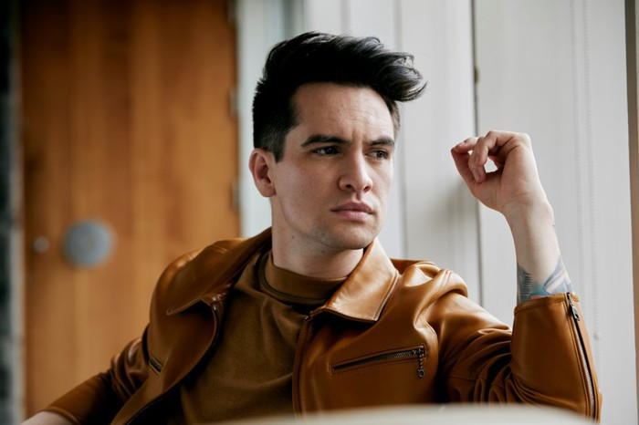 "PANIC! AT THE DISCO、映画""アナと雪の女王2""エンド・ソング「Into The Unknown」MV公開!"