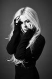 """5月に来日するAvril Lavigne、2/24より西武新宿駅前""""ユニカビジョン""""にて特集番組が放映決定!"""