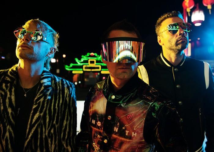 MUSE、2013年に東京にて撮影した「Panic Station」MVの秘蔵メイキング映像公開!4/30より同2013年のZepp DiverCity公演ライヴ音源4曲連続リリース!