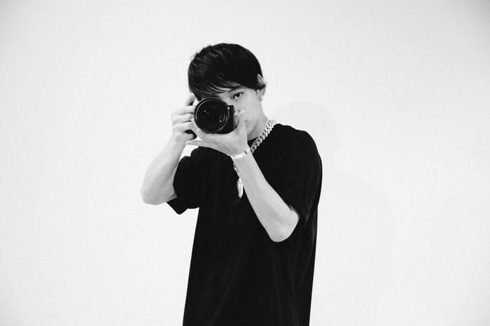 """UVERworld、スペシャにて新作特番OA!カメラマン TAKUYA∞(Vo)がメンバーを自ら撮影し""""次の20年""""を語り合う!"""