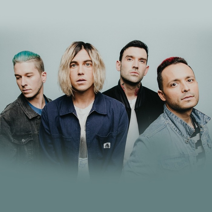 SLEEPING WITH SIRENS、最新アルバム『How It Feels To Be Lost』デラックス・エディションを8/21リリース!新曲「Talking To Myself」リリック・ビデオ公開!
