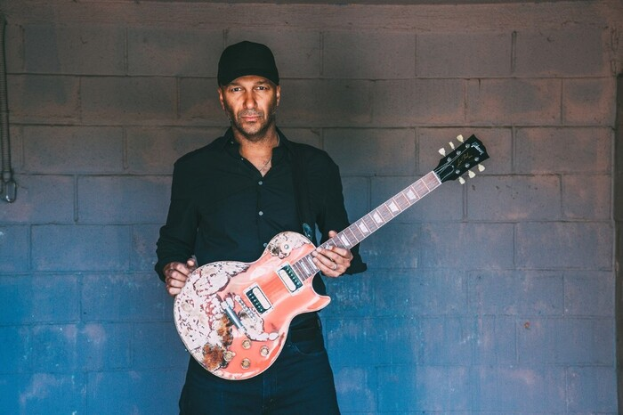 Tom Morello(RAGE AGAINST THE MACHINE etc)、プロテスト・ソング「Stand Up」公開!Dan Reynolds(IMAGINE DRAGONS)、THE BLOODY BEETROOTSら参加!