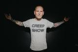 Corey Taylor(SLIPKNOT/STONE SOUR)、10/2リリースの初ソロ・アルバム『CMFT』より新曲「Culture Head」MV公開!