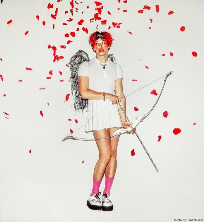 "YUNGBLUD、""セクシュアリティーの解放""をテーマに歌う新曲「Cotton Candy」リリース&リリック・ビデオ公開!"