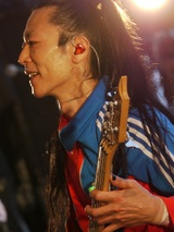 "Dragon Ash、オリジナル・メンバー IKÜZÖNE(Ba)参加ラスト・ワンマン・ライヴ""Dragon Ash Tour Rampage""を11/1特別公開!"