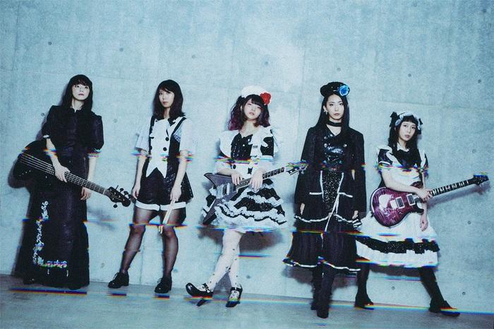 """BAND-MAID、ニュー・アルバム『Unseen World』1/20発売!12月発売シングル「Different」はアニメ""""ログ・ホライズン 円卓崩壊""""OPテーマに決定!"""