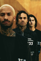 FEVER 333、ニューEP『Wrong Generation』より「Block Is On Fire」ヴィジュアライザー公開!