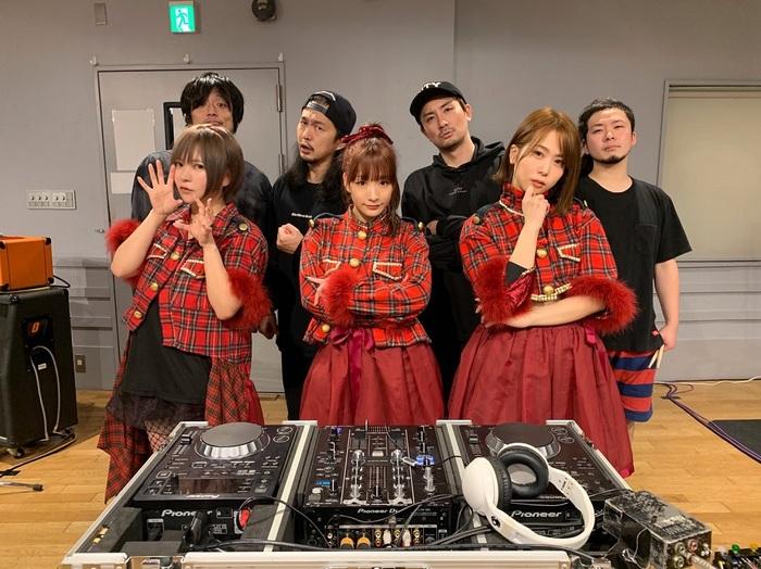 あゆみくりかまき、バンド・セット・ライヴ映像を12/27に緊急公開!