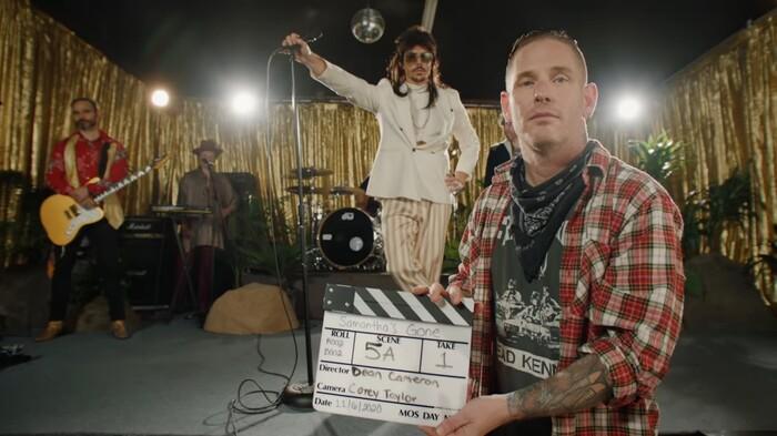 Corey Taylor(SLIPKNOT/STONE SOUR)、デビュー・ソロ・アルバム『CMFT』より「Samantha's Gone」MV公開!STEEL PANTHER、Travis Miguel(ATREYU)らカメオ出演!