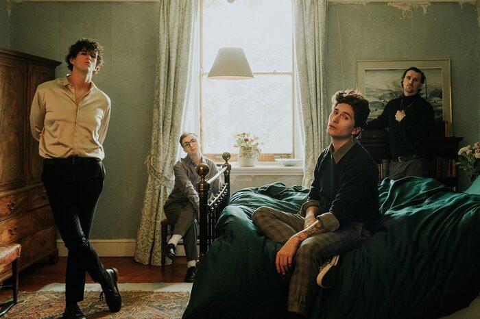 UKのポスト・ハードコア・バンド HOLDING ABSENCE、ニュー・アルバム『The Greatest Mistake Of My Life』より新曲「Afterlife」先行配信!本日19時にMVプレミア公開!