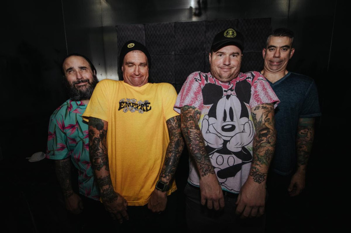 NEW FOUND GLORY、「Sincerely Me」アコースティック・パフォーマンス映像公開!