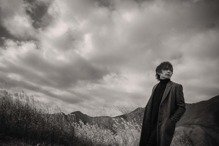 INORAN、ニュー・アルバムよりタイトル・トラック「Between The World And Me」リリック・ビデオ公開!3/20開催のストリーミング・ライヴ詳細発表!
