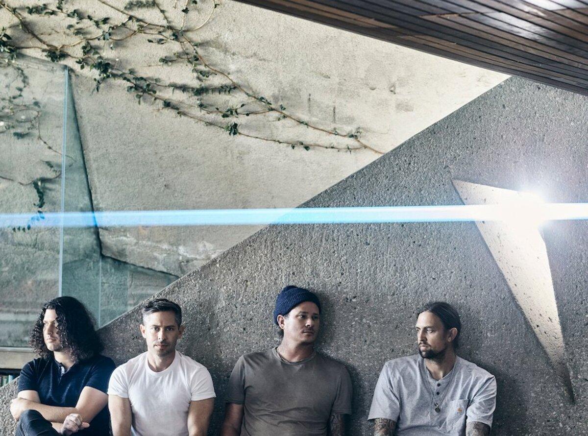 Tom DeLonge(ex-BLINK-182)率いるANGELS AND AIRWAVES、新曲「Euphoria」リリース&MV公開!