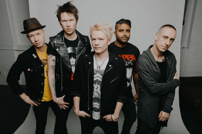 SUM 41、USエモ・ラッパー/シンガー・ソングライター NOTHING,NOWHERE.をフィーチャーした「Catching Fire」新バージョンをリリース!今夜MVプレミア公開!