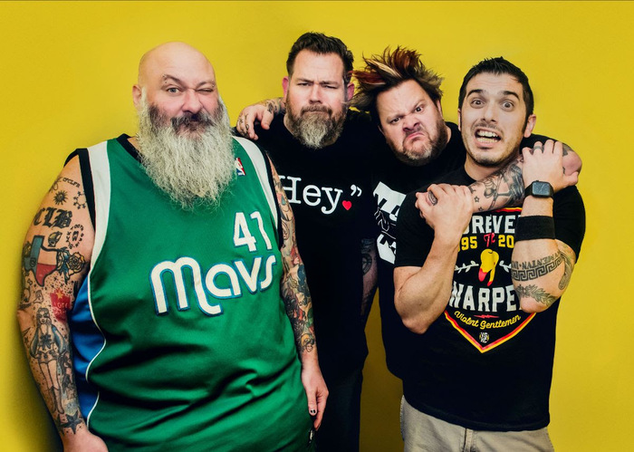 BOWLING FOR SOUP、加齢をテーマにした新曲「Getting Old Sucks (But Everybody's Doing It)」リリース&MV公開!