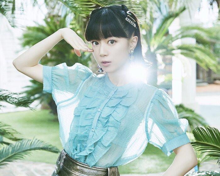 工藤晴香、7/7リリースの1stシングル『Under the Sun』詳細&新ヴィジュアル公開!