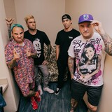 NEW FOUND GLORY、最新アルバムのデラックス・エディション『Forever And Ever X Infinity...And Beyond!!!』リリース決定!新曲「The Last Red-Eye」MV公開!