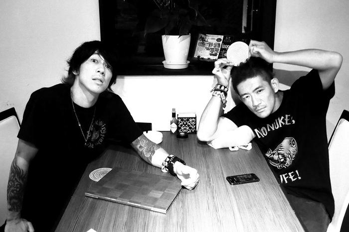 細美武士とTOSHI-LOWによるバンド the LOW-ATUS、1stアルバム『旅鳥小唄 / Songbirds of Passage』より「通り雨」MV公開!
