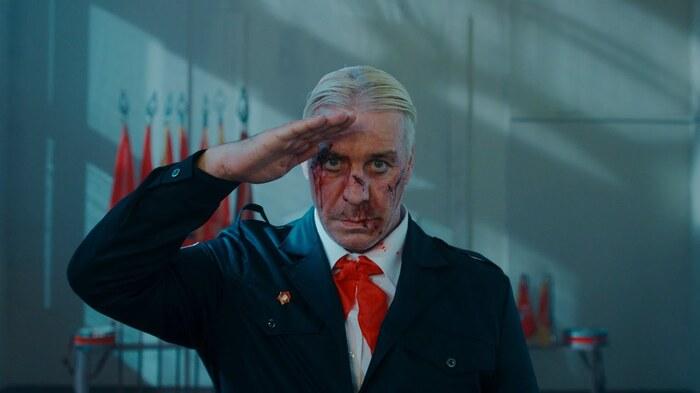 RAMMSTEINのフロントマン Till Lindemann、ソロ名義での新曲「Ich Hasse Kinder」MV公開!