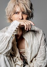 """HYDE、オーケストラ・ツアー""""20th Orchestra Tour HYDE ROENTGEN 2021""""8/14横浜公演を17LIVEにて無料独占配信!"""