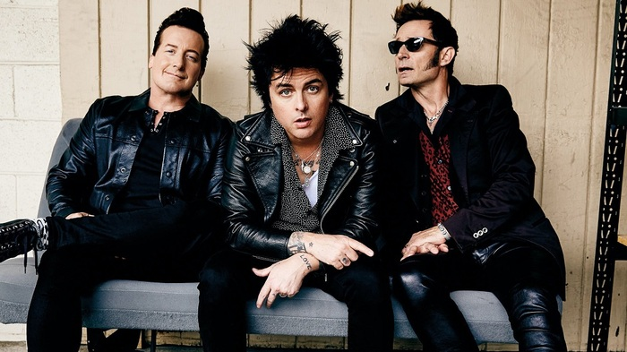 GREEN DAY、最新ツアーよりKISS「Rock And Roll All Nite」カバーのライヴ映像公開!