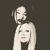 WILLOW、ニュー・アルバム『Lately I Feel Everything』よりAvril Lavigneとのポップ・パンク・アンセム「G r o w」MV公開!