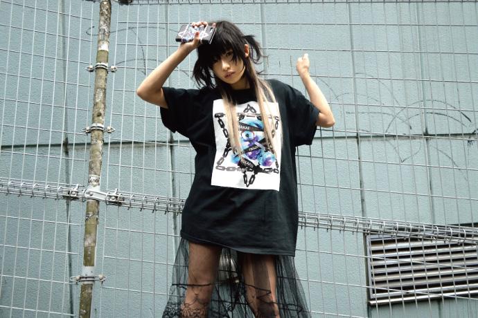 椎名ぴかりん サイン色紙+KINGLYMASKのTシャツ
