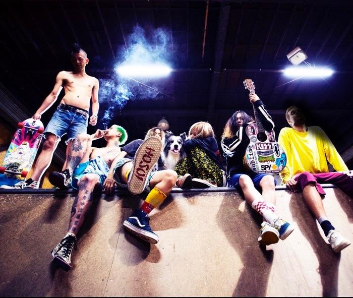 SCUMGAMES × マッハGoGoGo ロングスリーブTシャツ、ポーチ、Tシャツ(各1名様)