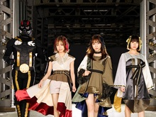 """DESURABBITS × ゲキクロ × KAVANE Clothing 限定コラボTシャツ""+サイン色紙"
